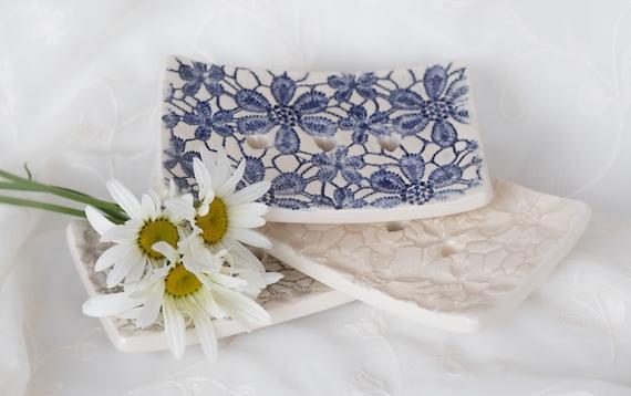 Daisy Embossed Ceramic Soap Dish