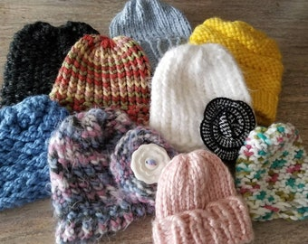 e650580e70c This is a grouping of 9 loom knit hats that are assorted sizes that would  fit baby dolls or preemie babies
