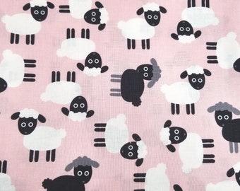 Cute Sheep 100/% Cotton Fabric by Robert Kaufman Fat Quarter
