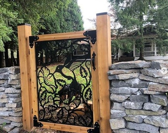 Metal and Wood Frame Gate for Yard   4'x4'