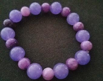 Amethyst and dyed quartzite bracelet