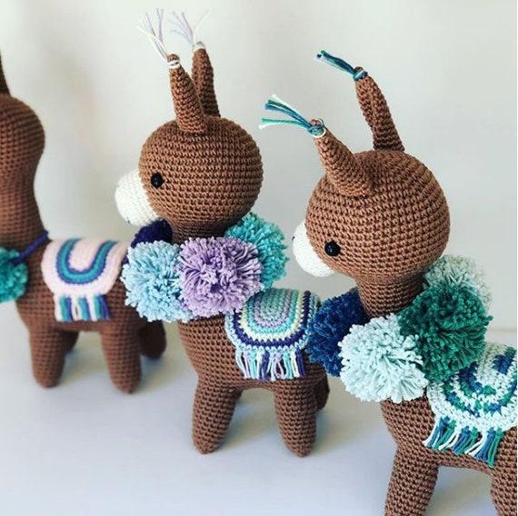 Alpaca amigurumi | Marcia la Alpaca pattern by Pica Pau | Alba ... | 568x570