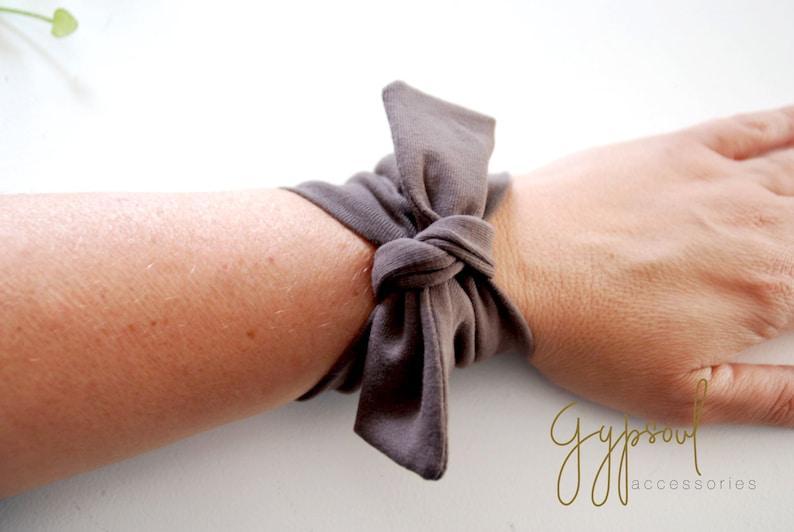 Solid BROWN BOW TWIST Wrist Cuff Wrist Bracelet Fashion accessory Women Teens Wrist Tattoo Cover Wrap Bracelet Fabric Jewellery
