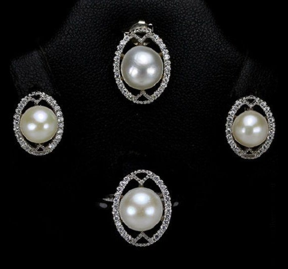 White Pearl Ring And Earrings Jewelry Set For Bridesmaids Etsy