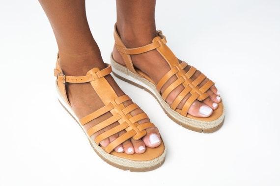 sandales sandales de natural en plate cuir grec grec NISYROS sandales sandales gladiateur bracelet cheville strap sandales forme plat sandales sandales qxRzq0BawX