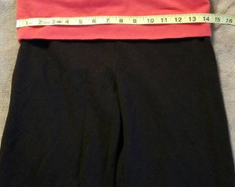 Victoria's secret graphic Capri pants size medium
