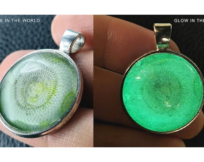 Glowing Pendant Green, Necklace Glowing in the dark, Handmade Jewelry Glowing, Glowing Pendant, Glowing Jewelry, by Maria Marachowska