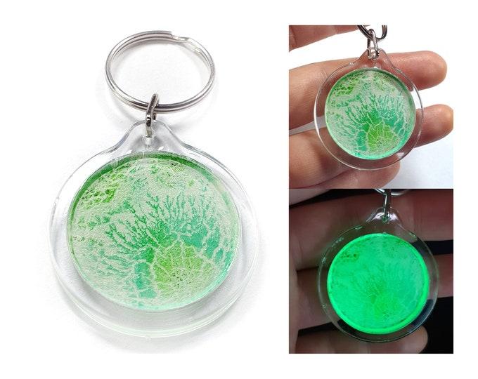 Keychain Artwork, Glowing Keychain, Keychain Green Art, Uv Keychain, Keychain Green, Original Keychain, by Maria Marachowska