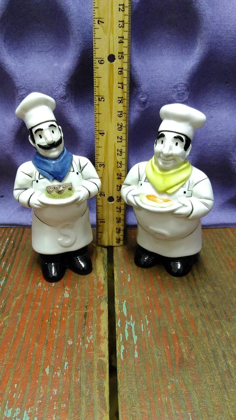 Vintage Happy Chefs Salt /& Pepper Shakers