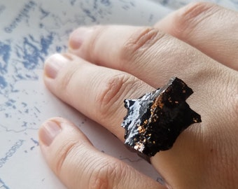 Coal Ring with Rose Gold details / Handmade / Unique / Adjustable / Unisex / Statement / Coal mined and handcrafted Slovenia