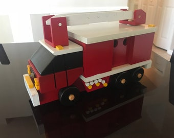 100% Wood - Fire Engine (Red, Large)