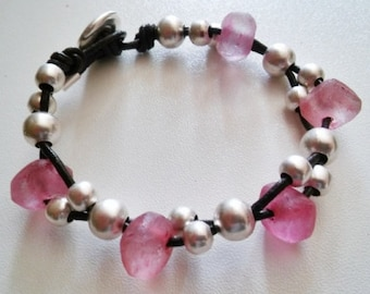 Womans leather bracelet with recycled indonesian glass beads