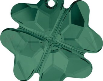 Wholesale Swarovski Clover 6764  23 MM Emerald (205)