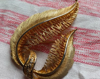 Vintage Gold Plated Leaf or Feather Brooch Pin