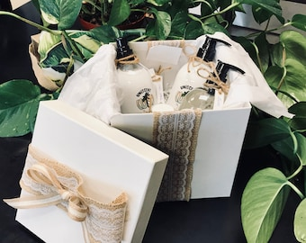 Uniscent Gift Basket