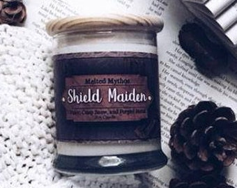 Shieldmaiden | 10 oz Wooden Wick and lid Soy Candle