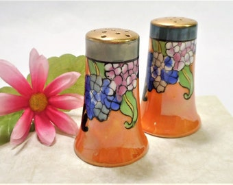 Unique 1940's Salt And Pepper Shaker Set. Bright Orange And Gold With Floral Design. Made In Japan.