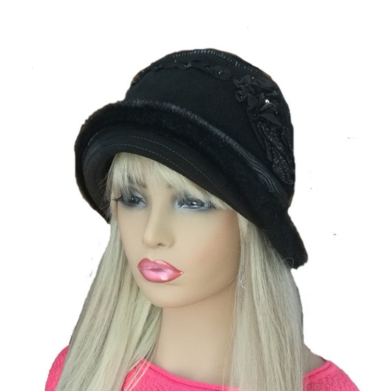 Winter cloche hat Womens winter hat Brimmed winter hat  fa2170d3e4a