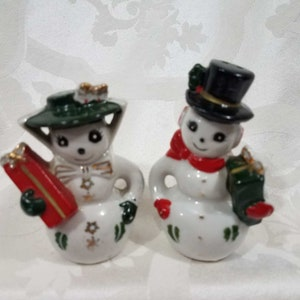 Christmas entertaining Christmas d\u00e9cor secret Santa gift 1960s Norcrest Christmas boy and girl salt and pepper shaker set