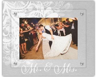 Mr and Mrs Wedding Picture Frame - 5x7 or 4x6 Landscape Frame - Acrylic Frames - Floating Photo Frames