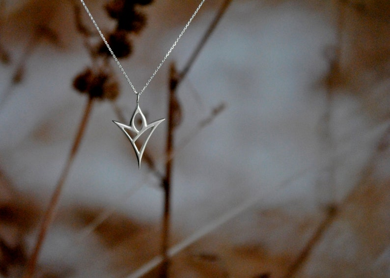 Ethereal Casual Pendant Contemporary Floral Jewelry Lotus Flower Abstract Silver Minimal Pendant Statement Silver Necklace Lotus Pendant