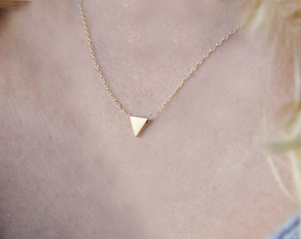 14K SOLID YELLOW GOLD Triangle Necklace, 14K Gold Necklace, Gold Triangle Charm Necklace, Geometric Necklace, Dainty Triangle