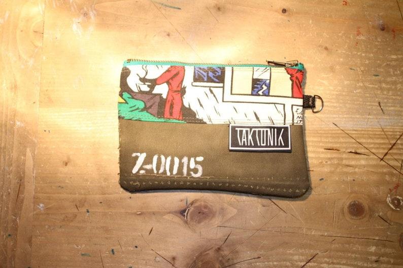 Etui Geldbeutel Zipper-Pouch aus recyceltem Segeltuch und Stoffresten Federm\u00e4ppchen