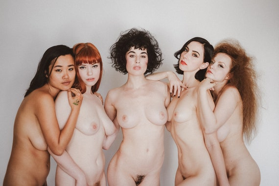 Nude pinup models