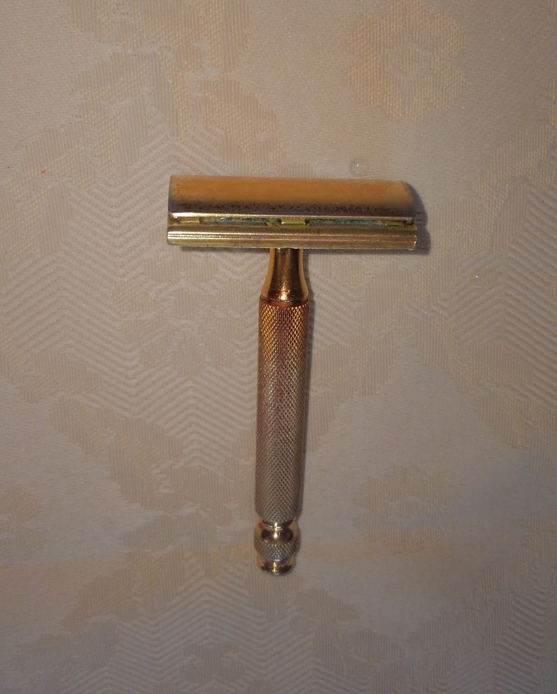 1e7ccb784e3 Vintage Gillette gold brass 3 piece ball end safety razor
