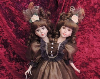 Siamese Twin Porcelain Freakshow Doll, Circus, Sideshow, Carnival, Horror, Creepy, Halloween, Alternative, Curiosity Cabinet, Oddity, OOAK