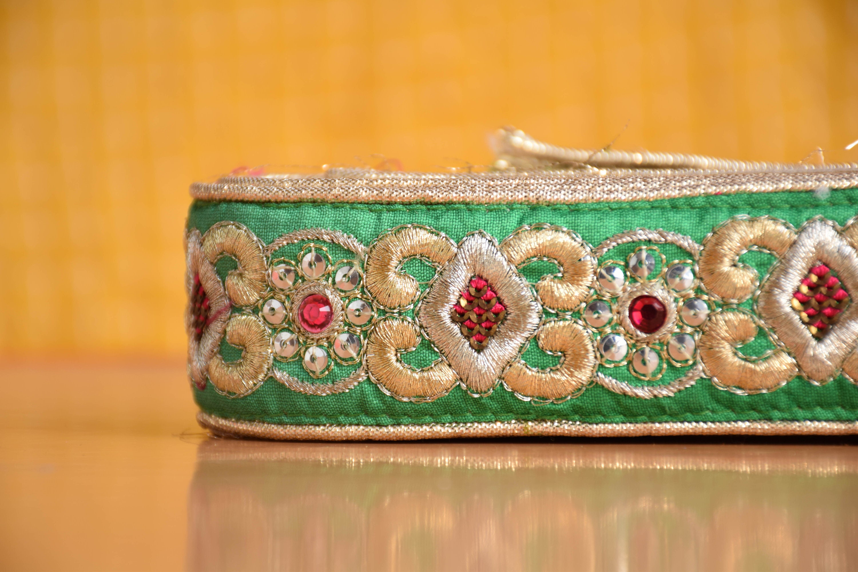 Green Sari Border, Wholesale Lace Trim, Indian Lace Embroidered Trim, Green Decorative Border, Craft Lace, Craft Supply, Embroidered Lace Lace, Sewing Trim 705815
