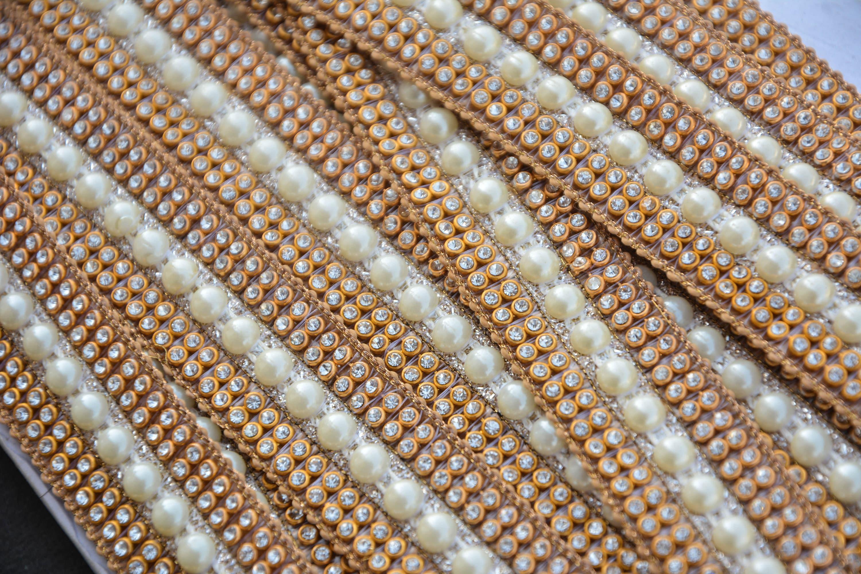 Bordure dentelle en vrac garniture de dentelle Bordure d'or, or Kundan dentelle, perle, embellissement, artisanat d'approvisionnement, ruban, Sari Border, Pierre travail Trim, dentelle indienne, vente en gros 0ccc07