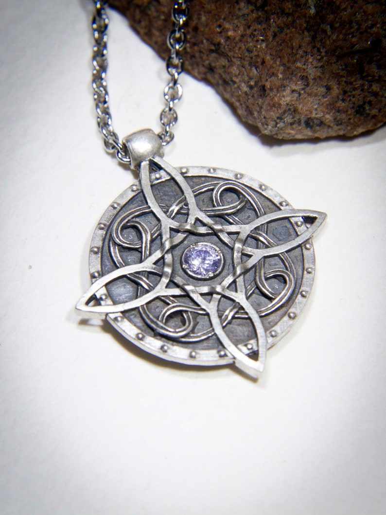 Sterling silver Amulet of Mara / Twosided skyrim pendant / The Elder  Scrolls Necklace / Skyrim cosplay Necklace / Oblivion Morrowind amulet