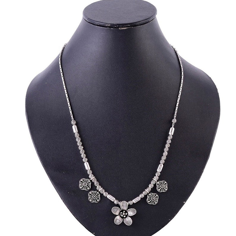 Traditional Jewelry 925 Solid Sterling Silver Silver Necklace KN 93 Beautiful Flower Charm Beaded Chain Necklace Length- 18 Inches