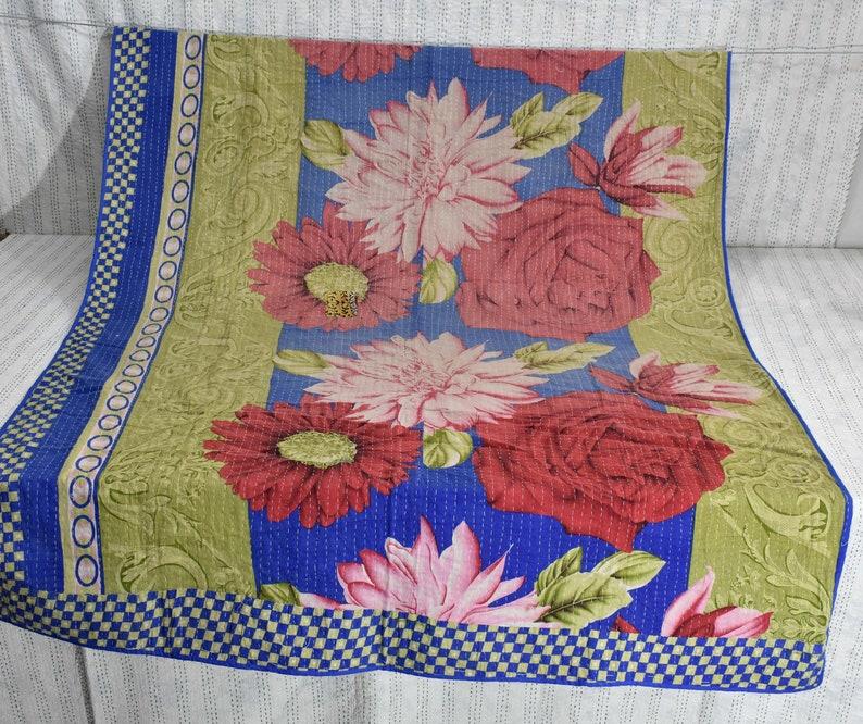 Sofa cover Sari blanket Handmade Vintage Kantha Quilt Twin size throw Kantha quilt Indian Quilt Home Decor