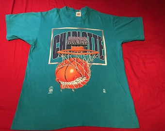 Vintage 90's Charlotte Hornets t-shirt