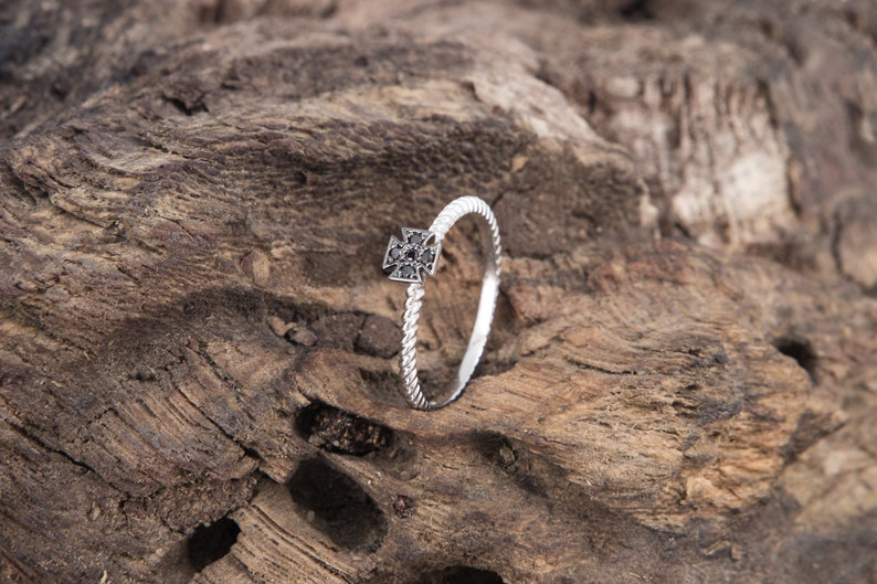 Twisted Band Black Diamonds Skinny Ring White Gold Ring 18k White Gold Twist Rope Ring Cross Ring