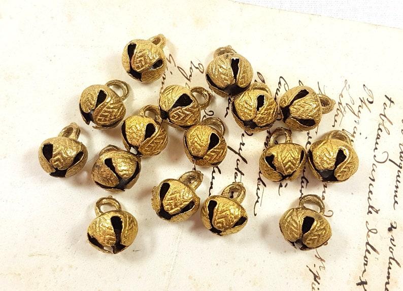 20mm Ghungroo Brass Bell, Banjara Bead, India, Antique Brass Beads, Antique  Brass Bells, Bell Beads, Tribal Beads, Boho Beads, Ancient Beads