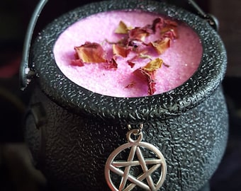 Cauldron of witch Pump Love bath/bath bombs