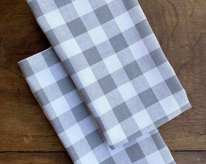 Gray and White plaid cotton napkins| Farm table| Table settings| Set of two| Farmhouse decor| Minimalist|Weddings| Dinner Rehearsal|Country