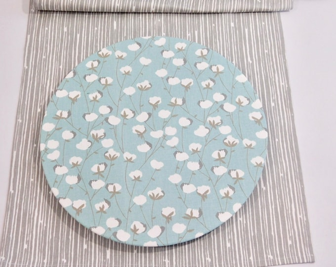 """13"""" Charger Plate Cover White and Blue 100% cotton floral print fabric Washable Farm table settings Dining  Country Kitchen Spring Summer"""