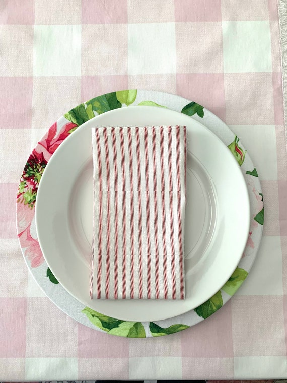 Soft Pink and  Plaid table runner| White| Rose| Spring decor| Mother's day| Easter decoration| Farmhouse| farm table| Classic