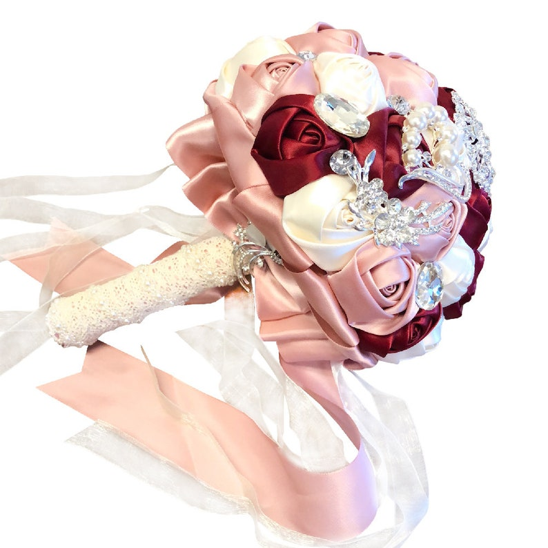 Customization Romantic Bride Wedding Holding Brooch Bouquet Silk Roses with Pearls and Rhinestone Decoration