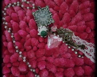 Lost In Time Vintage Necklace