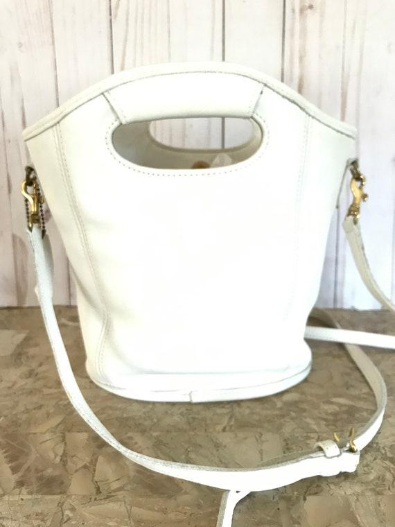 Vintage White Coach 9993 Leather Shoulder Bag