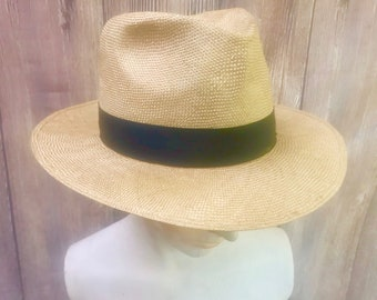 da3dcbe746932f Vintage Men's Straw Fedora Panama Hat -Made in Italy Size Small - Superior  Sisol