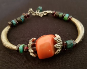 Bracelet with large coral stone
