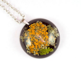 Lichen necklace, Live moss pendant, Lichen resin, Terrarium necklace, Botanical jewelry,  Nature inspired jewelry