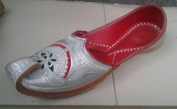 silver gents shoes leather shoes nagra shoes sherwani shoes casual shoes  alladin shoes men' dhoes jalsa jutti jooti traditional shoes mojari