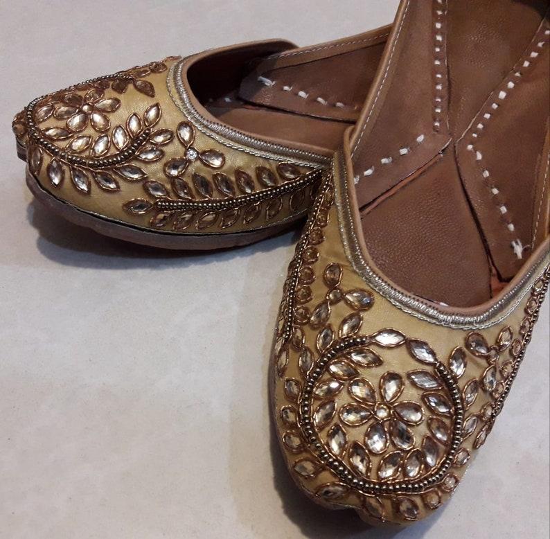 6a2d9fad05f3 Fancy Punjabi jutti khussa shoes indian shoes mojari flip flop | Etsy